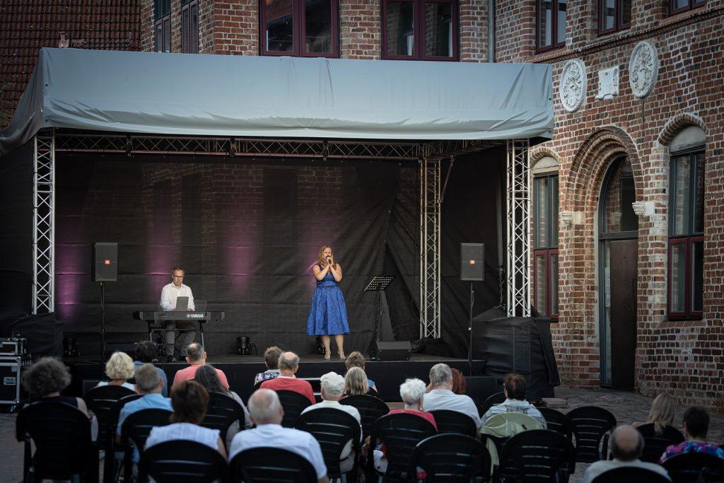 Nikolai Juretzka und Valerie Koning; Foto: © Jens Butz