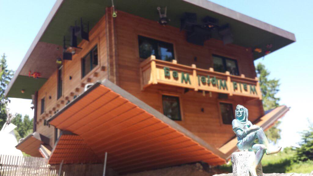 Haus auf dem Kopf - Foto von Nadine