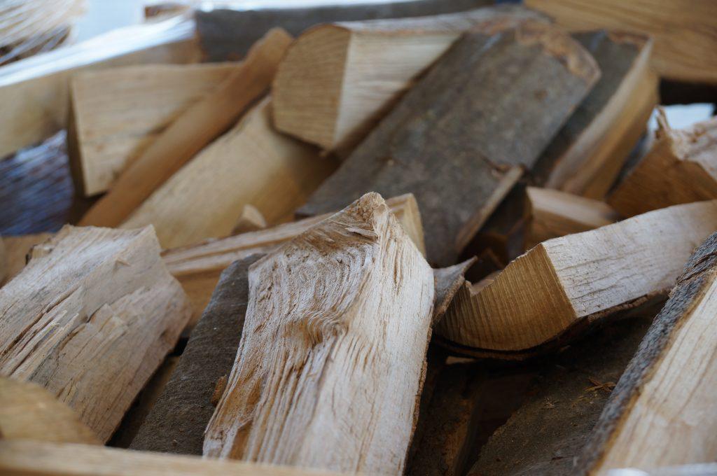 Holz; Foto: © Detlev Schmalfeld