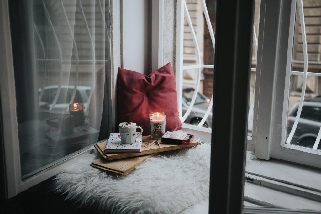 Gemütliches Kerzenlicht; Foto: © StockSnap via Pixabay