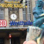 Till unterwegs am Leipziger Hauptbahnhof