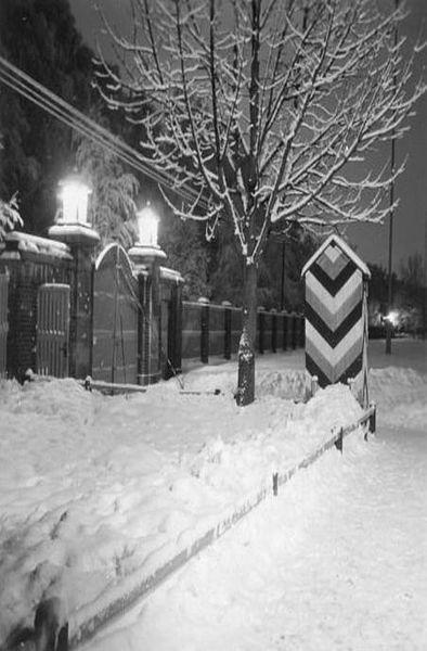 Stimmungsvolles Foto der damaligen Reichszollschule, Tor mit Wachhäuschen 1939; Foto: © Stadtarchiv Mölln